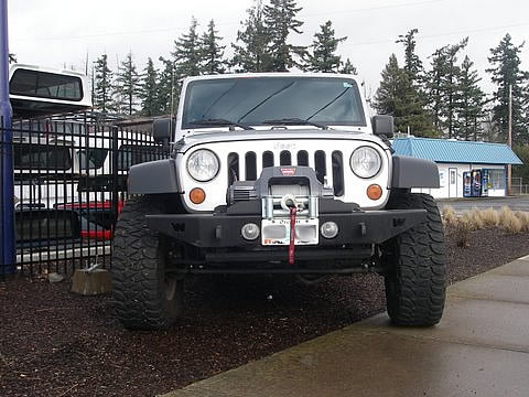 0108_jeep_front